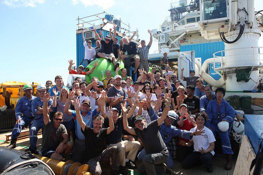 Deepsea-Challenger-crew