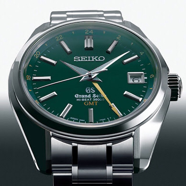 "High-five-to-the-Grand-Seiko-Hi-Beat-36000-GMT-winner-of-the-Petite-Aiguille""-Prize-at-gphg2014-@f"