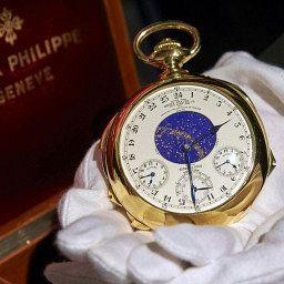NEWS: Henry Graves Jnr Patek Philippe Supercomplication smashes auction records
