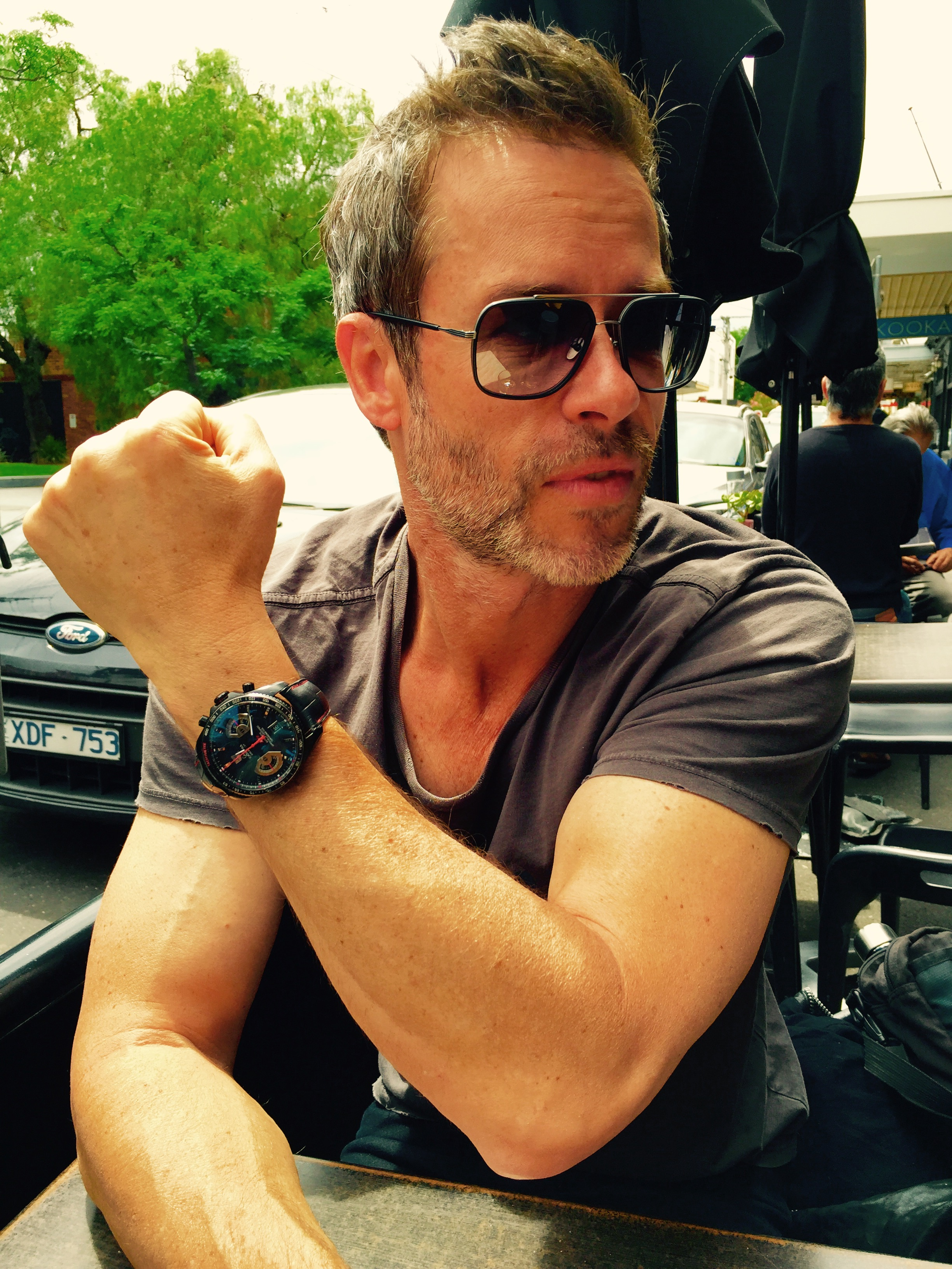 Guy pearce talks tag heuer watches directors and the greatest actor for Actor watches