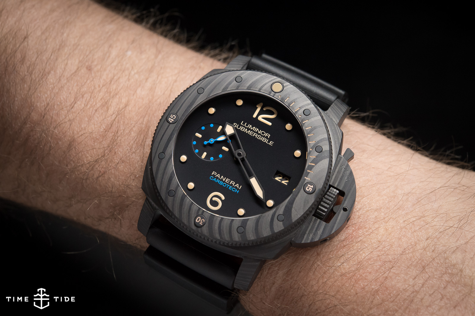 The Panerai Submersible 1950 Carbotech Pam00616