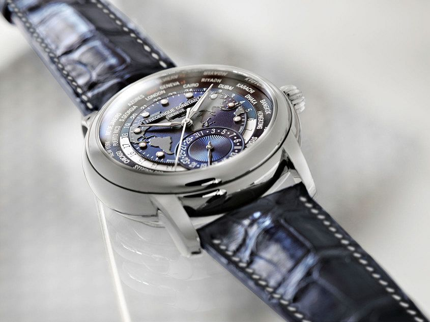 FC-Classic-Manufacture-Worldtimer-Blue-2