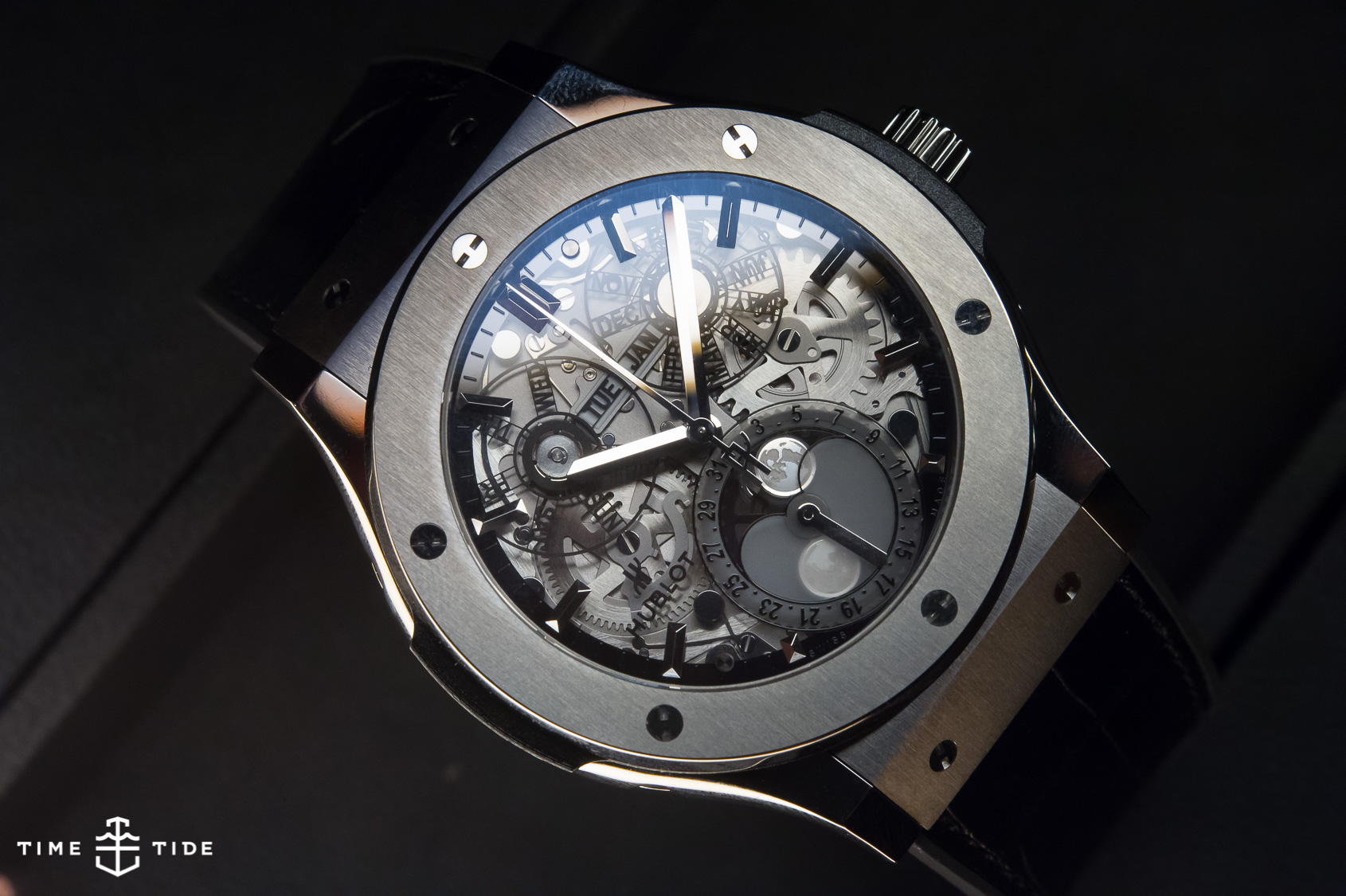 HANDS ON: The Hublot Classic Fusion Aerofusion Moonphase - Time and ...