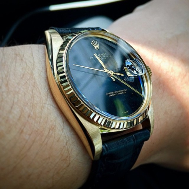 Congratulations to follower @Andy.tian who recently replaced the plexi on his '78 Datejust and had a polish at a Rolex Service Centre (which necessitates removing the movement). Whatever it cost Andy, it was worth it. This is one hot 36 year old right here. ️