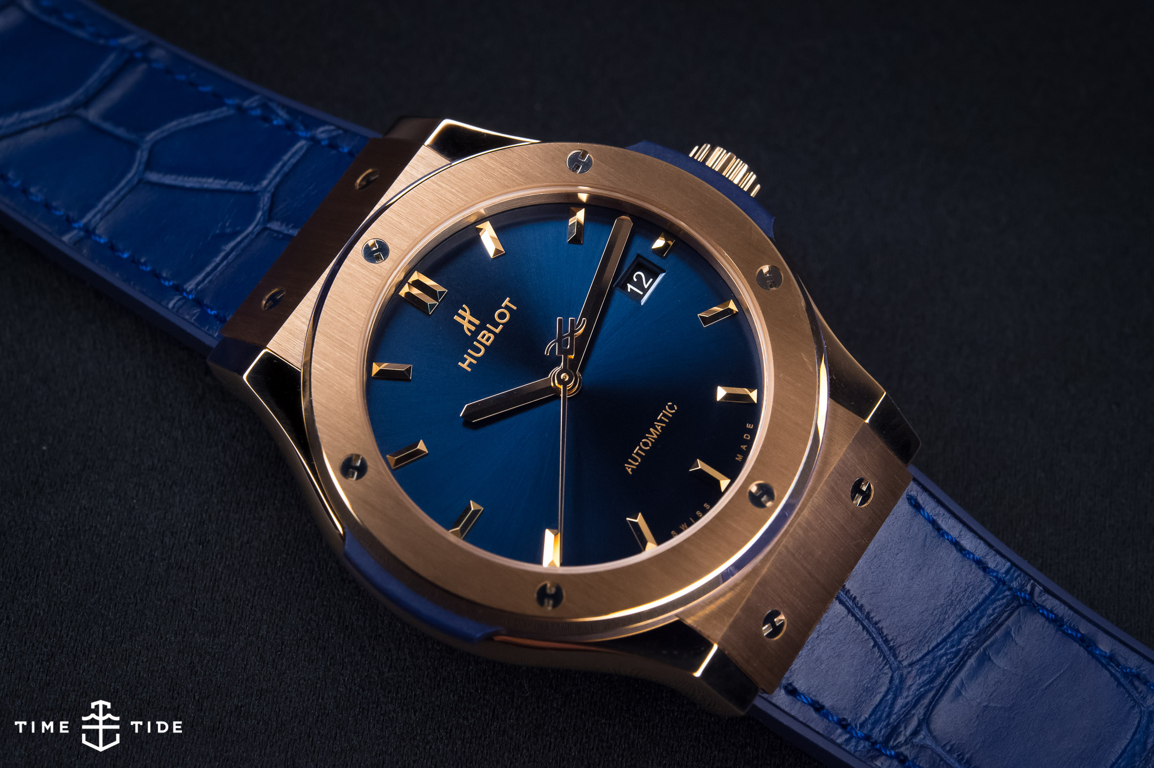 Hublot Classic Fusion King Gold Blue – Hands-on Review 36756286a4