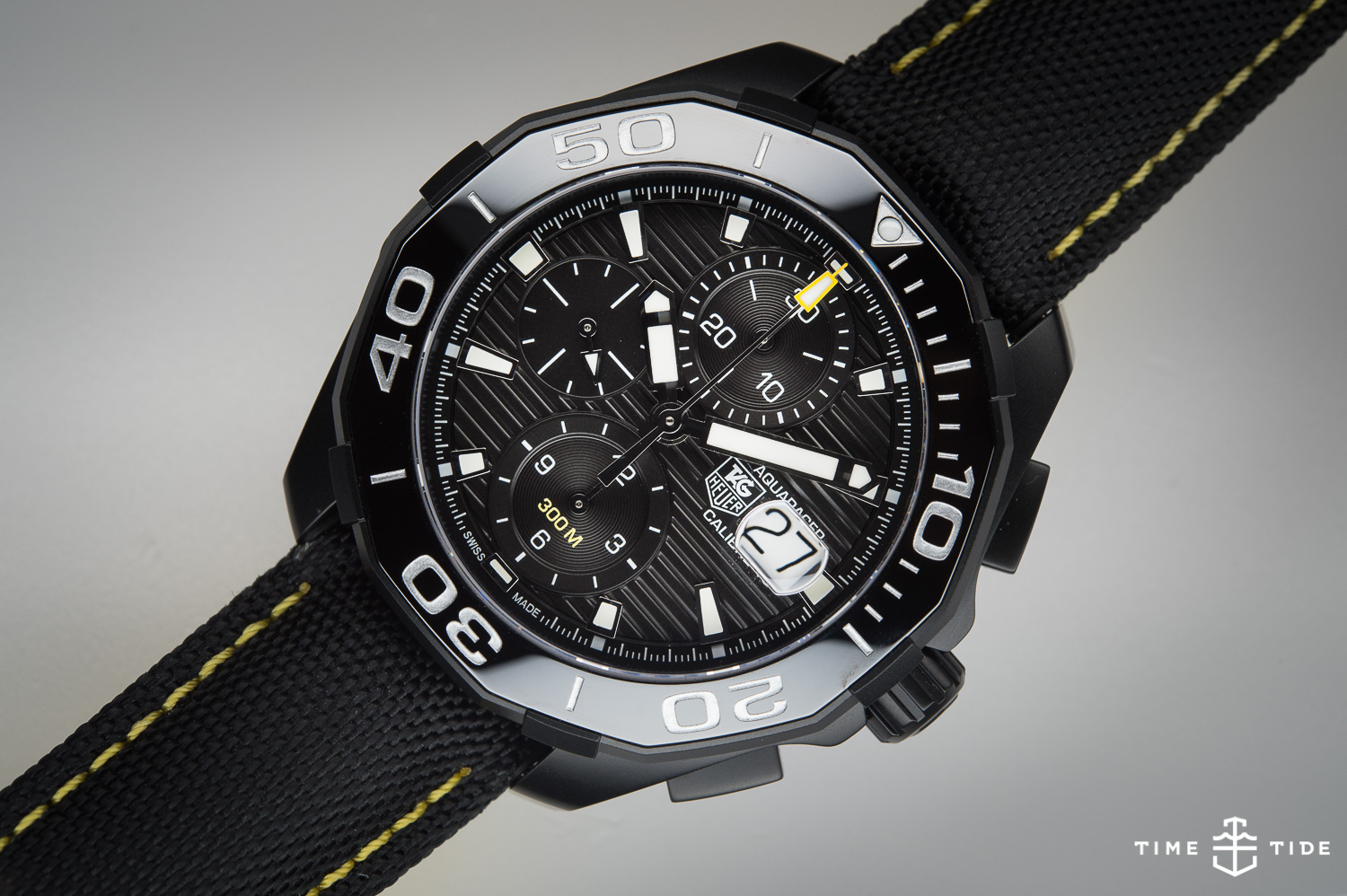 Editor 39 s pick the tag heuer aquaracer 300 calibre 16 chronograph review time and tide watches for Tag heuer aquaracer 300m