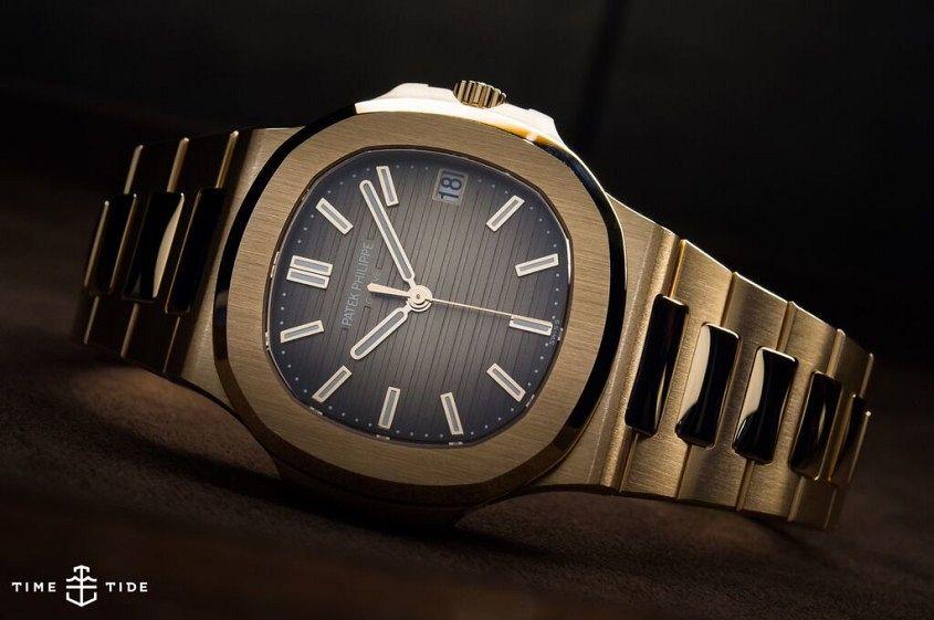 Patek Philippe Nautilus 5711-1R-001 Rose Gold - 1