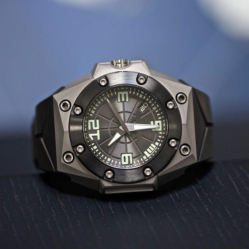 LW-Oktopus-Frogman-Watch-Official-Image
