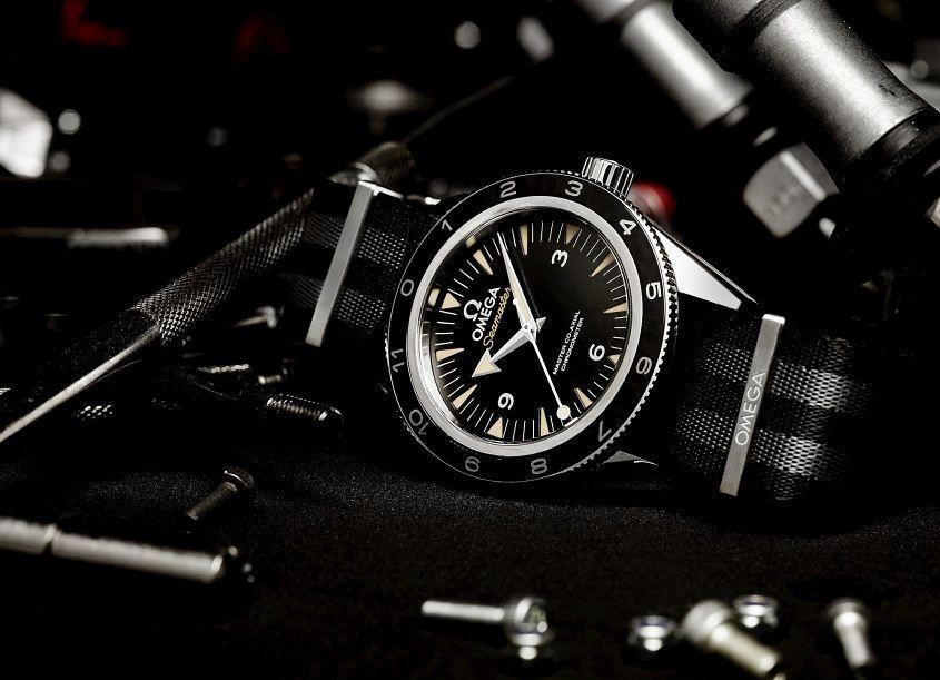 505-The_OMEGA_Seamaster_300_Bond_233.32.41.21.01.001