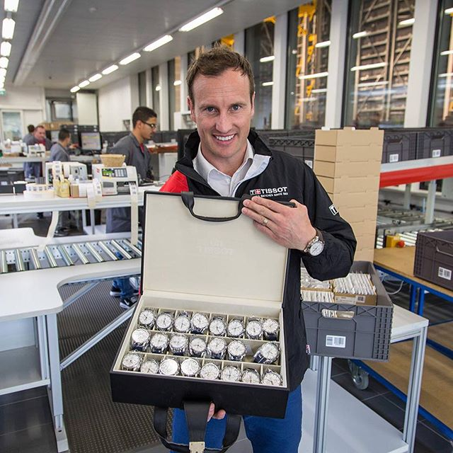 Old mate Jude Bolton brought the first ever AFL Premiership watches from Tissot in Le Locle Switzerland to the @timetidewatches offices for a look and a wear. Read the full review at the link. Now, where's the right shaped football emoji? ️