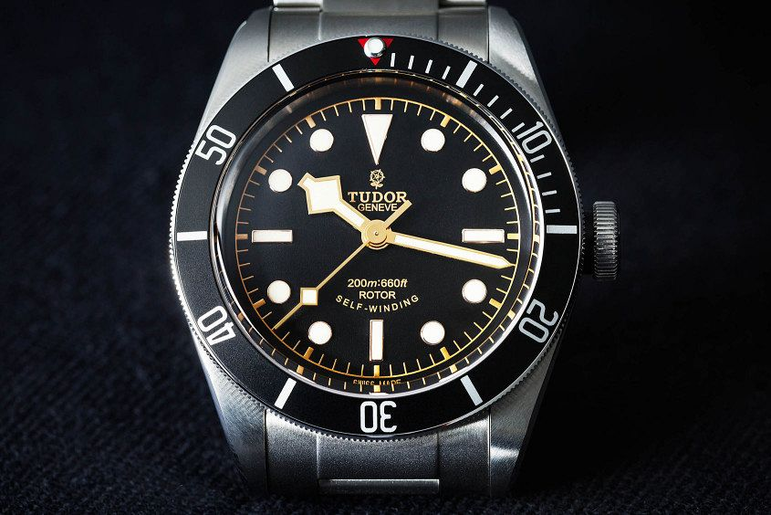 Tudor-Black-Bay-Black-4