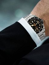 Tudor-Black-Bay-Black-wrist-4