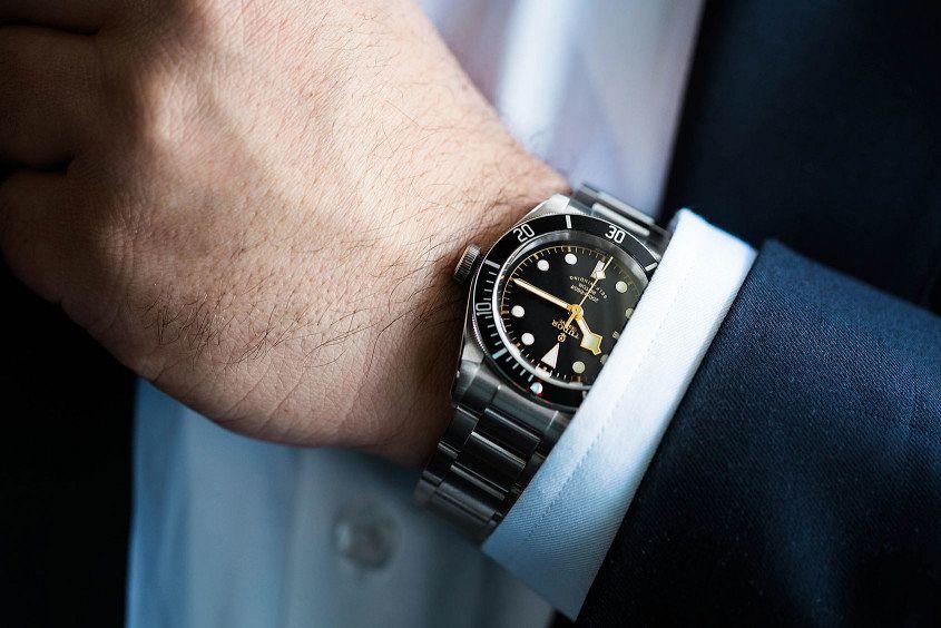 Tudor-Black-Bay-Black-wrist-5
