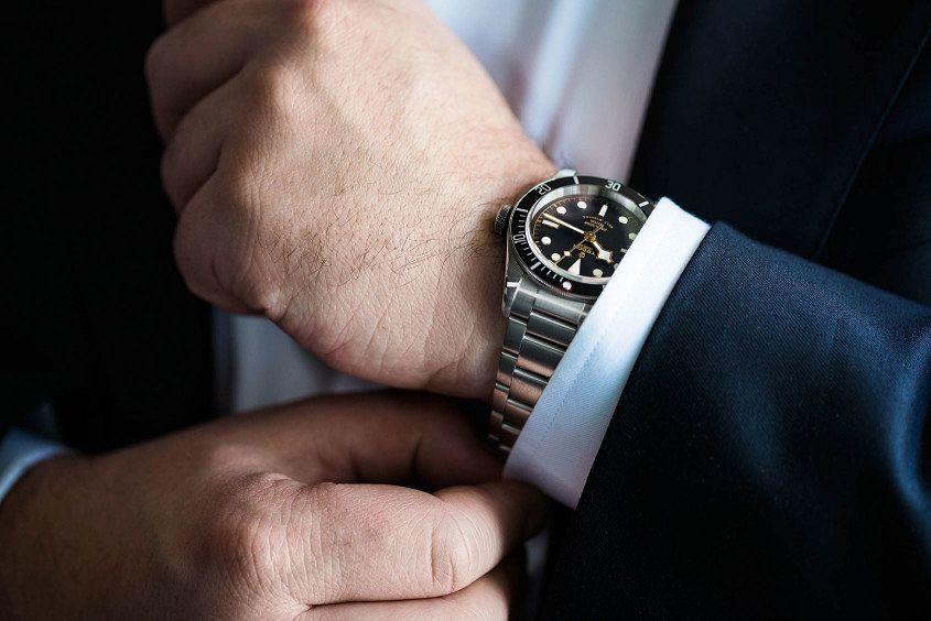 Tudor-Black-Bay-Black-wrist-6