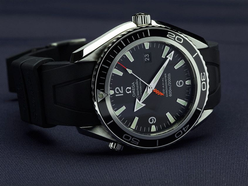 James-Bond-Omega-Planet-Ocean-Big-Size-Casino-Royale-Edition