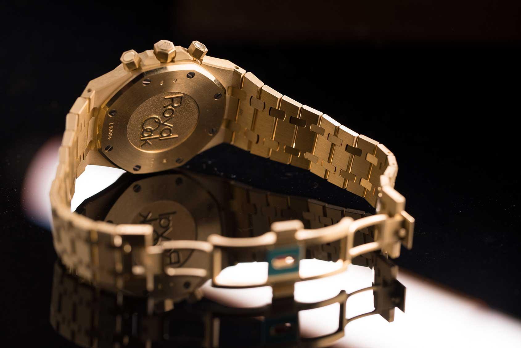 1a533d2fc50 Audemars Piguet Royal Oak Chronograph in Yellow Gold – Hands-on Review