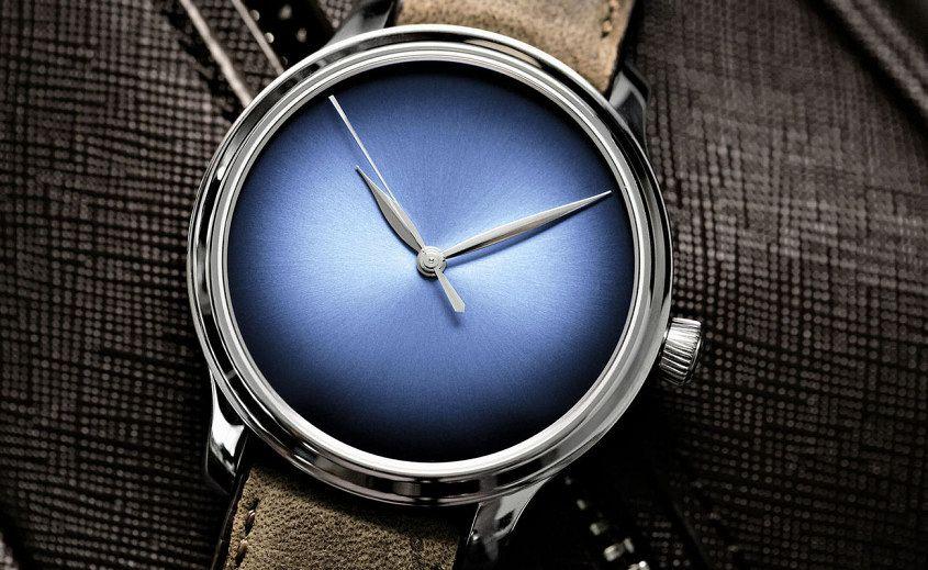 endeavour_centre_seconds_concept_funky_blue_1343-0209_lifestyle3_rgb