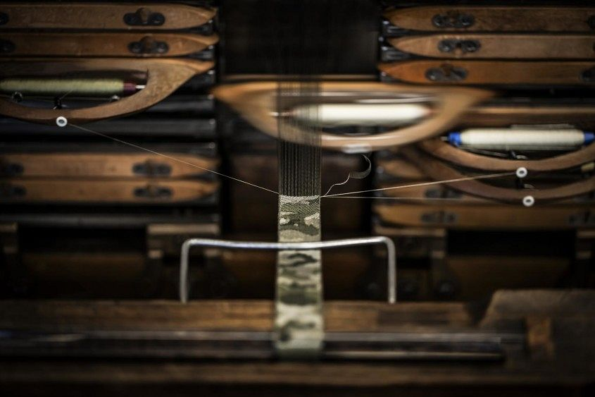 14.TUDOR Fabric Straps_weaving the Heritage Ranger strap on antique Jacquard loom
