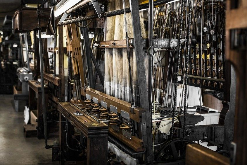 4.TUDOR Fabric Straps_antique Jacquard loom