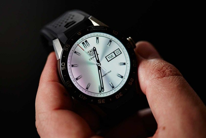 TAG-Heuer-Connected-12