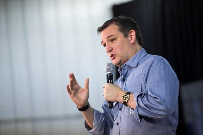 WASHINGTON, USA - JANUARY 31: Republican Presidential Candidate Ted Cruz speaks during a campaign rally in Iowa City, Iowa, USA on January 31, 2016. Both Democratic and Republican candidates are campaigning in Iowa this weekend before the Iowa Caucus on Monday. (Photo by Samuel Corum/Anadolu Agency/Getty Images)