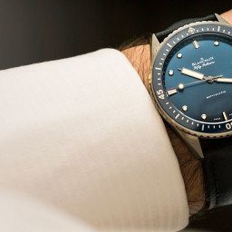 GONE IN 60 SECONDS: The Blancpain Fifty Fathoms Bathyscaphe in grey plasma ceramic video review, a perfect watch for the deep blue sea