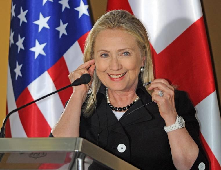Hillary Clinton-chanel-j12