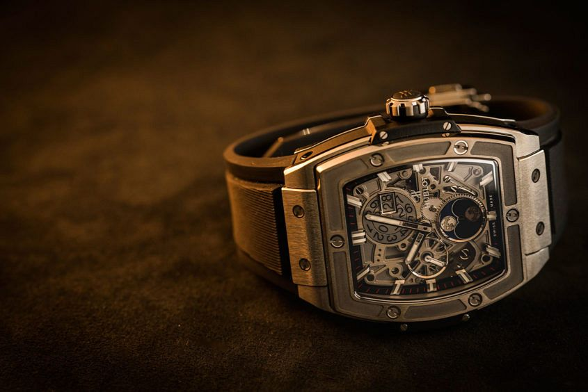 Hublot-Spirit-big-bang-moonphase-3