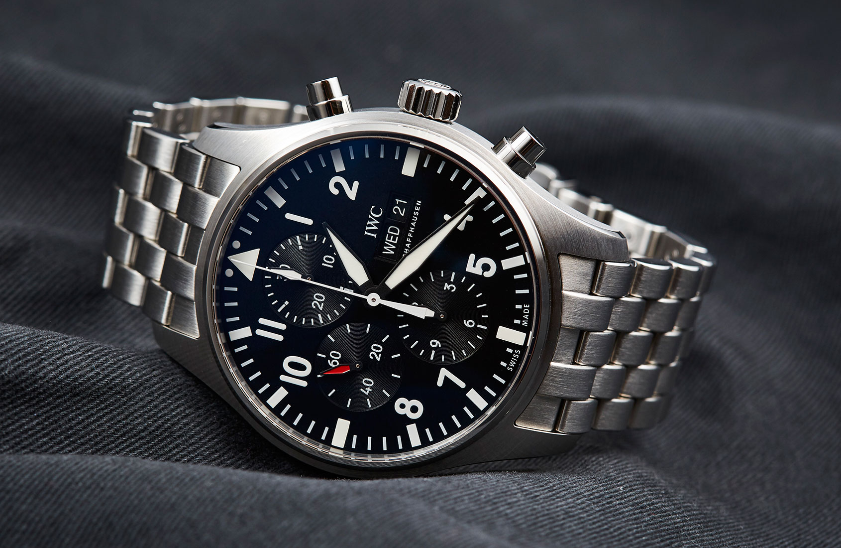 2016 IWC Pilot's Chronograph Soars to New Heights – Hands ...