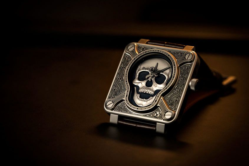 Bell-Ross-burning-skull-2