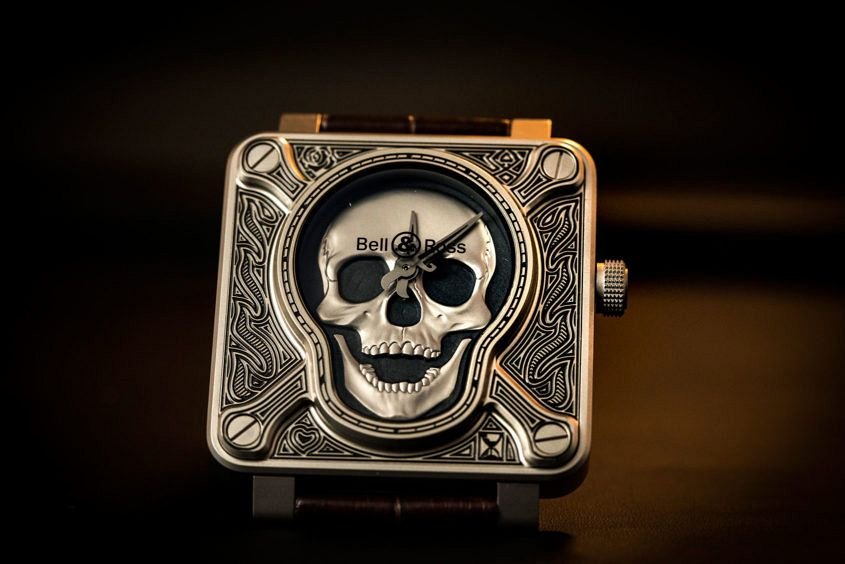 Bell-Ross-burning-skull-3