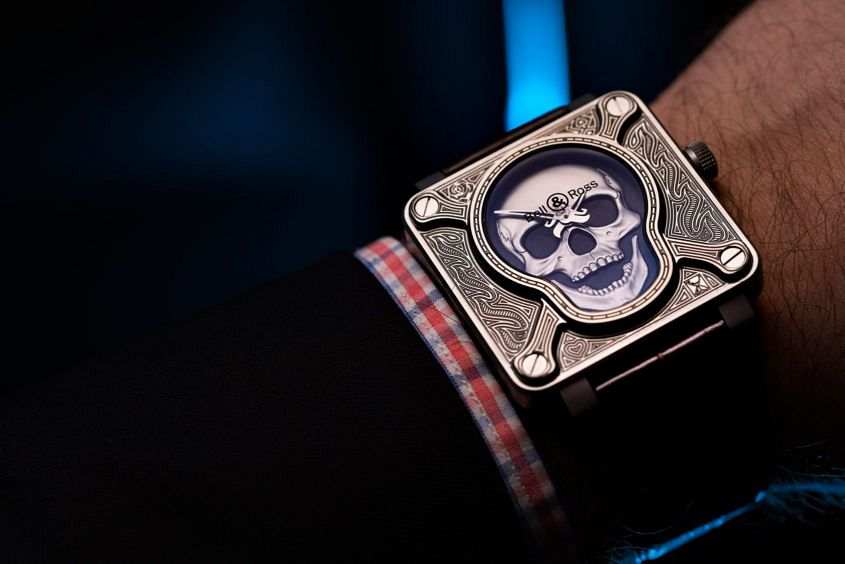 Bell-Ross-burning-skull-5