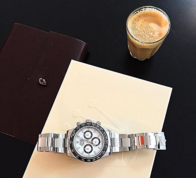 This is how the day started yesterday for a new friend who dropped into the @timetidewatches office. A piccolo and a brand new timepiece, just some kind of steel sports watch... ️