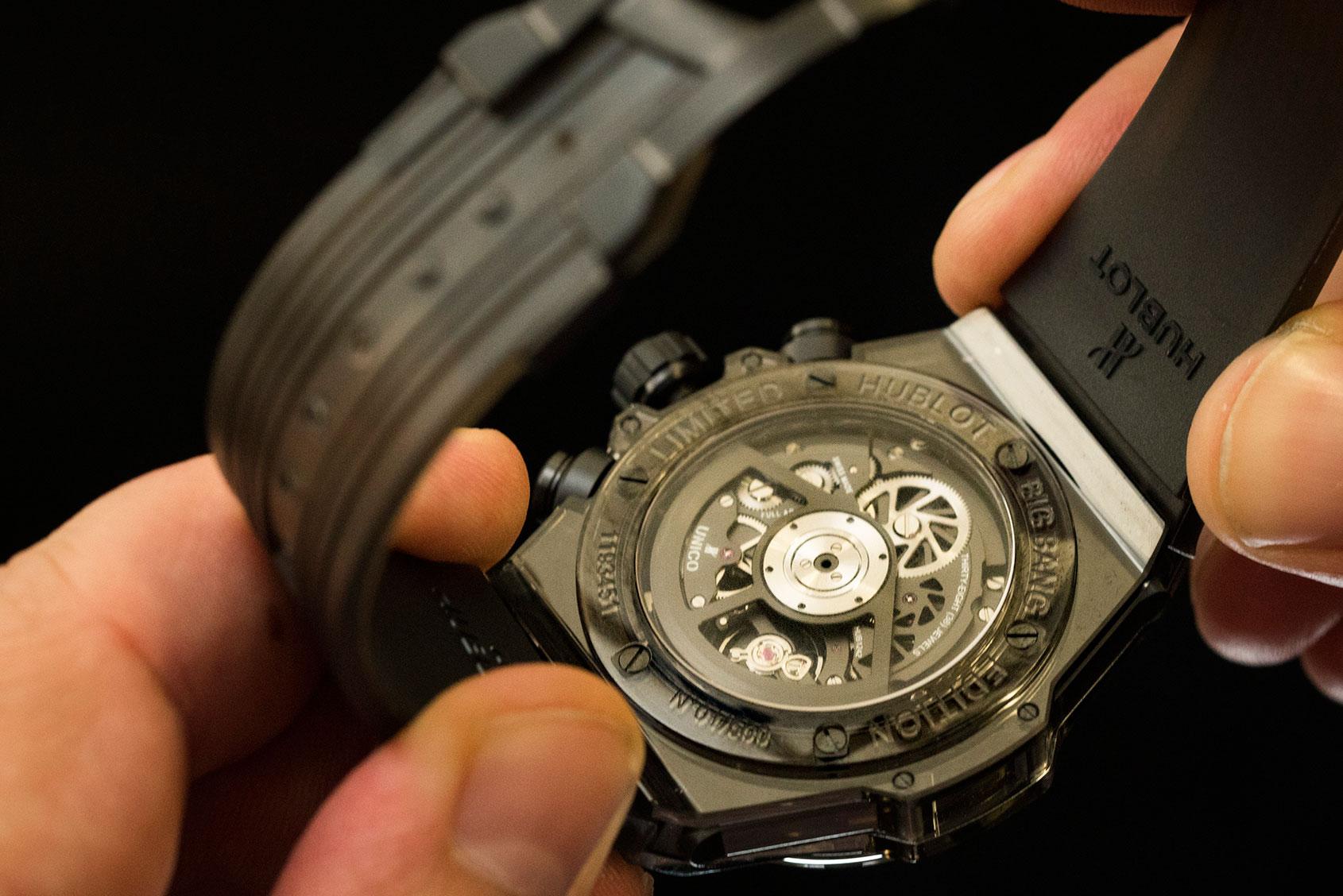hublot-big-bang-unico-all-black-sapphire-2