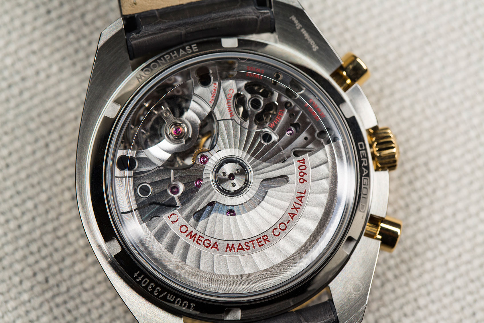 omega-speedmaster-moonphase-gold-steel-5