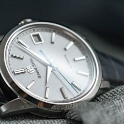 VIDEO: A modern take on a classic – the Grand Seiko SBGR305