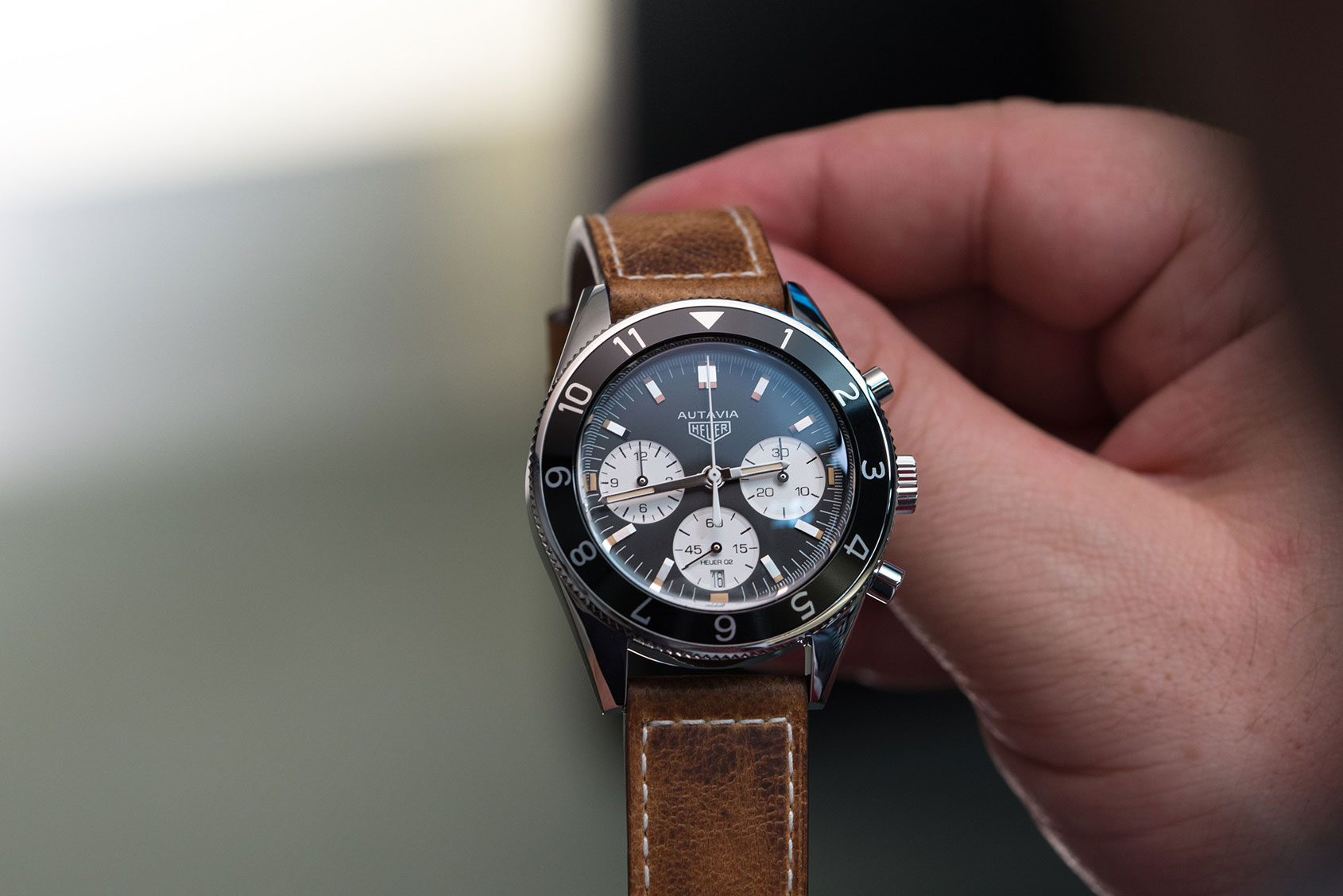 Hands on return of an icon the tag heuer autavia time and tide watches for Tag heuer autavia