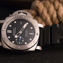 HANDS-ON: Small changes make a big impact – the Panerai Luminor Submersible 1950 3 Days Accio Automatic (PAM 682)