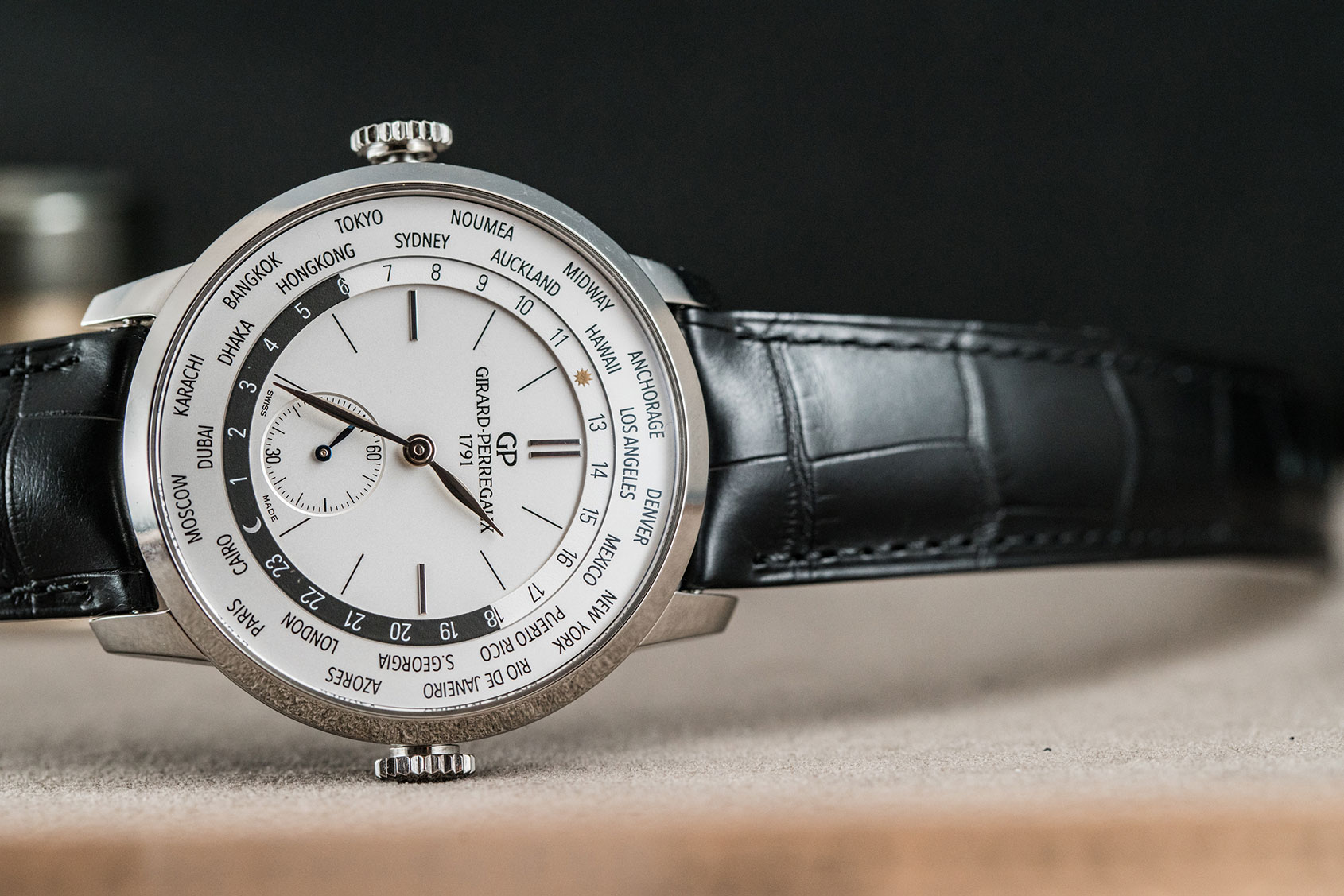 Girard-Perregaux's 1966 WW.TC in Steel – Hands-on Review
