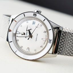 VIDEO: One for the ladies – the Rado HyperChrome Captain Cook in white