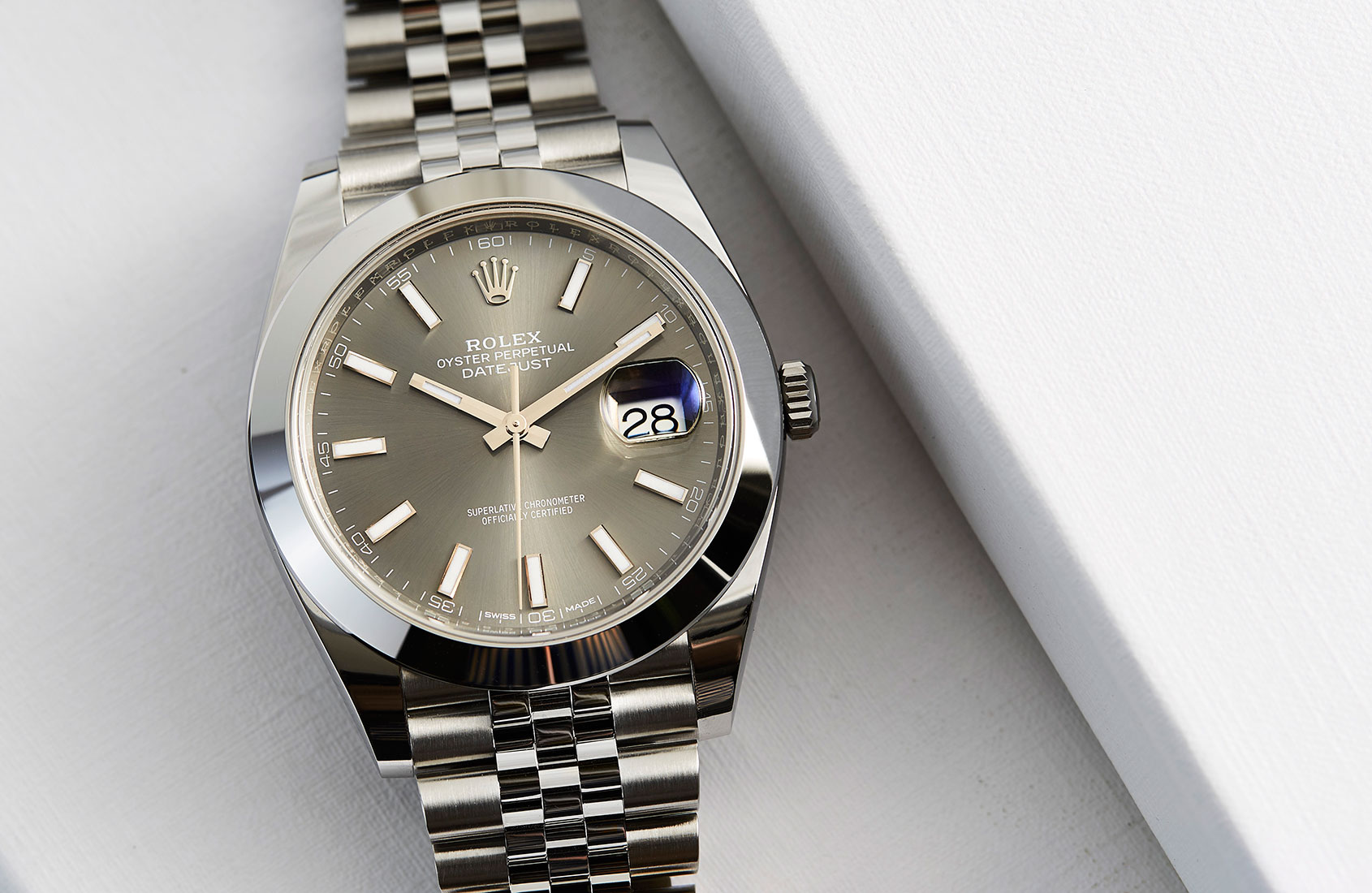 Hands On A Clic Redefined The Rolex Oyster Perpetual Datejust 41 In Steel