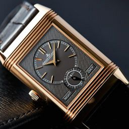 HANDS-ON: The Jaeger-LeCoultre Reverso Tribute Duoface in pink gold