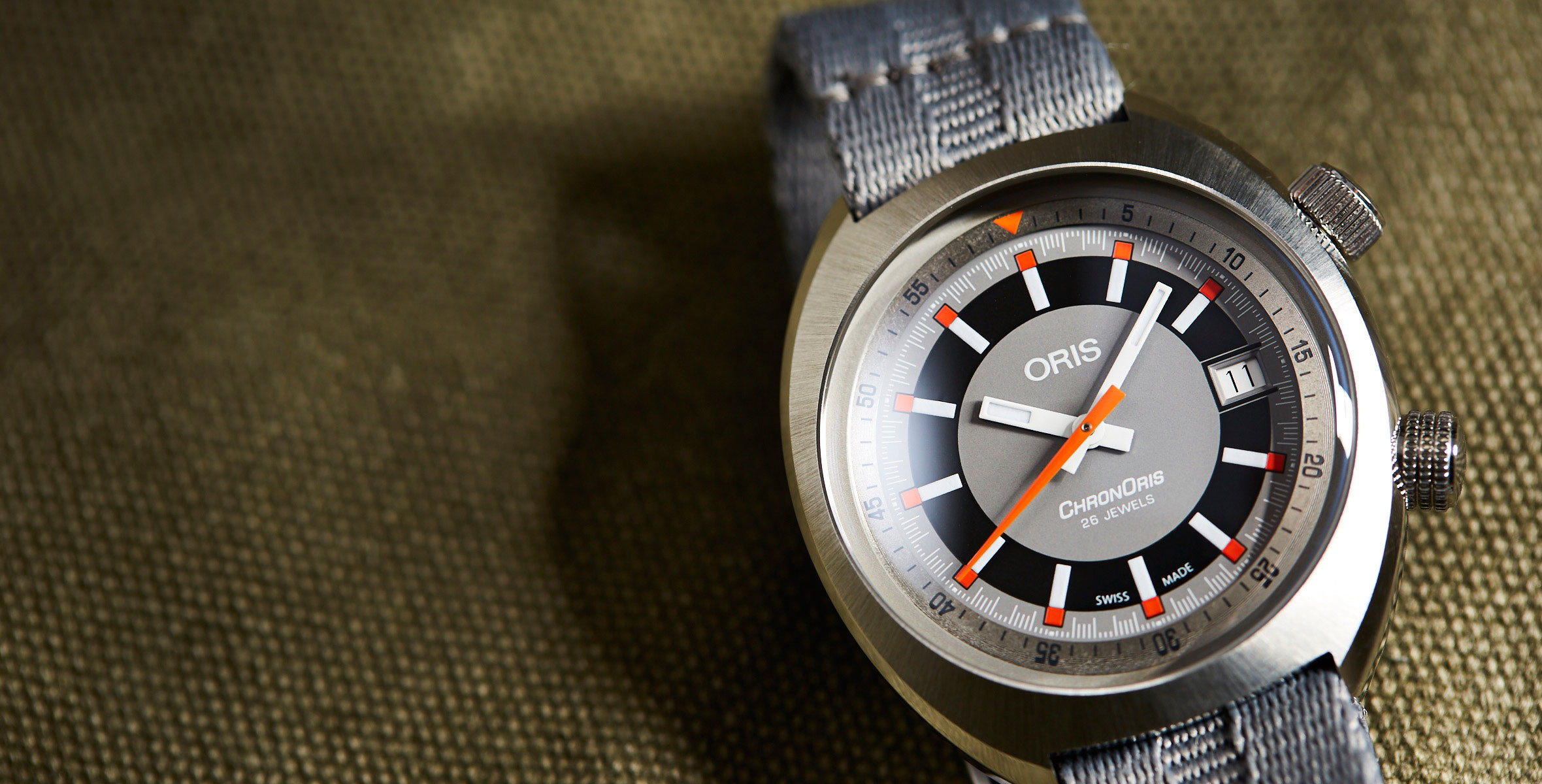 f0aa879e9 No matter what your flavour, the Chronoris Date has a strap to match. It's  available with a choice of either a black or brown leather strap, a black  rubber ...