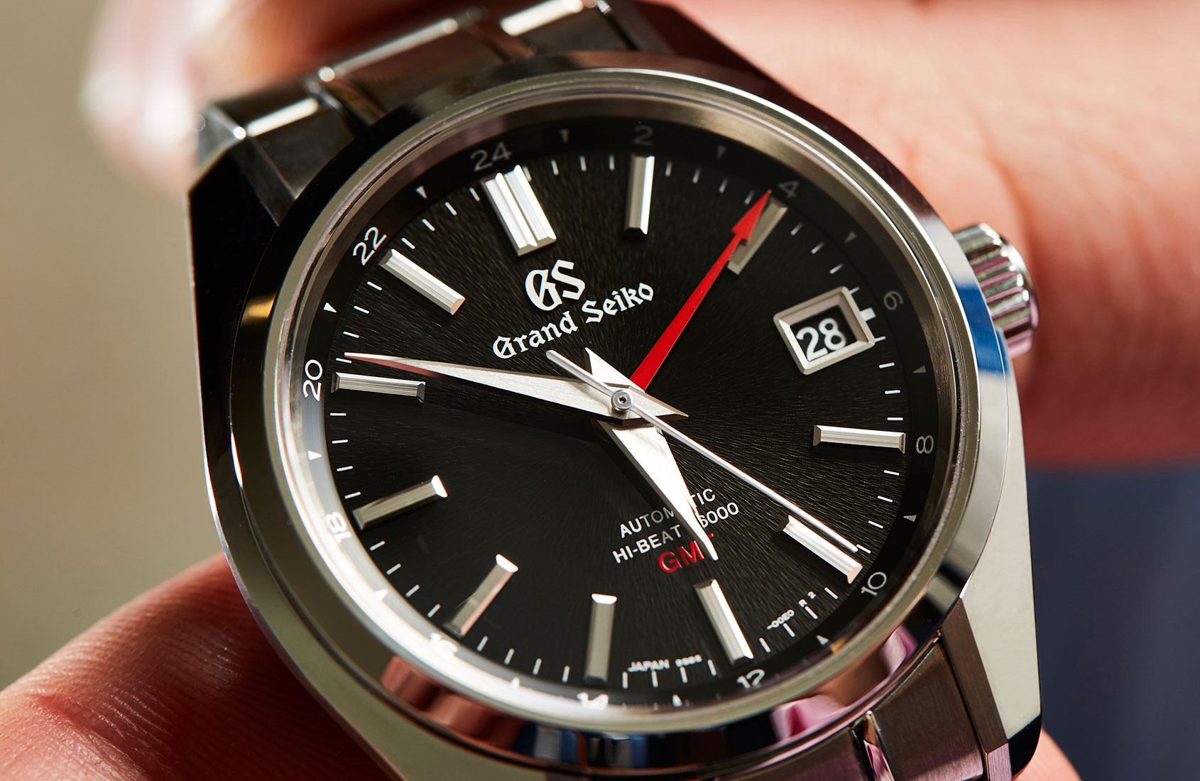 VIDEO: One watch to do it all – The Grand Seiko Hi-Beat ...