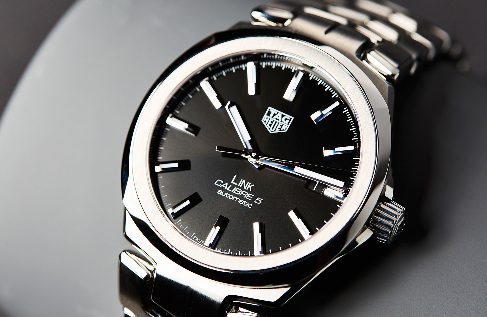 Tag: The Sleek New TAG Heuer Link Calibre