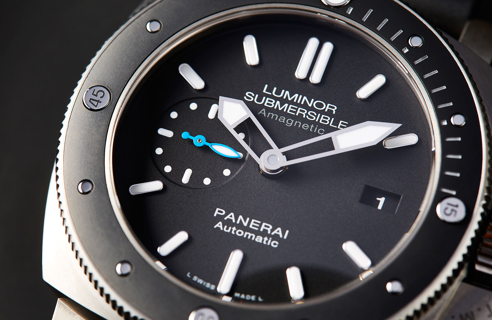 Fast forward to 2017 and we've got a new and improved version of this  Luminor Submersible, with an updated reference number to match — PAM 1389.