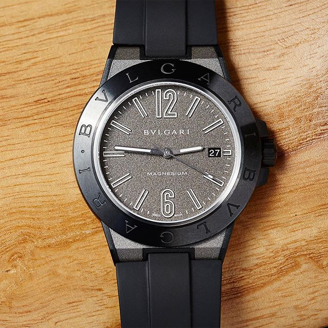 Still one of the best dials in the biz – the @bulgariofficial Diagono Magnesium.