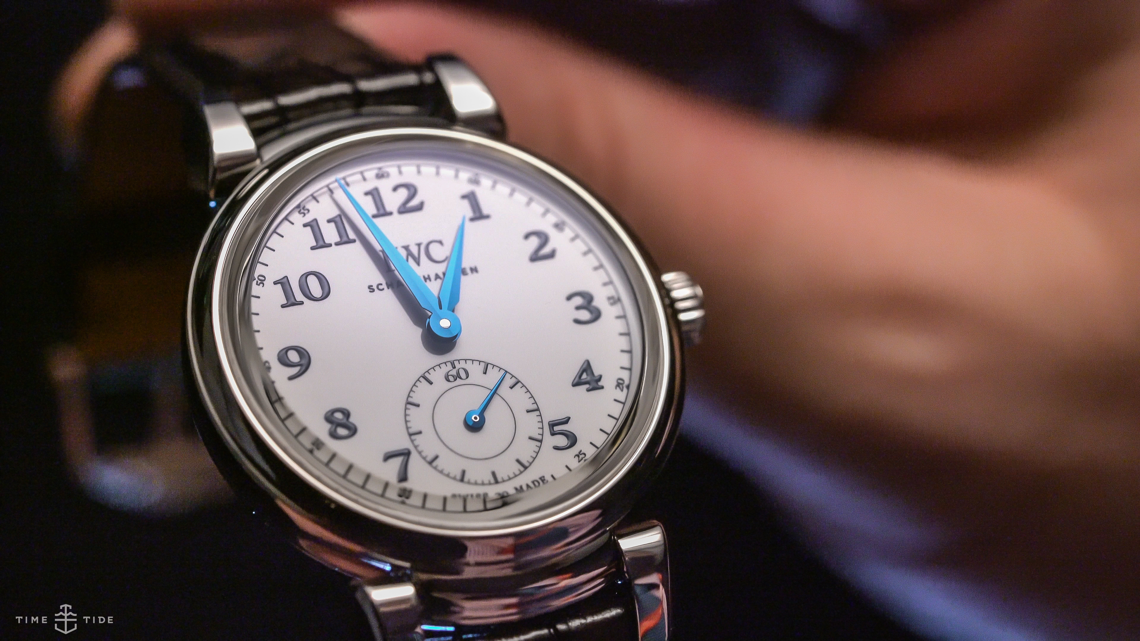 video iwc 39 s 2018 collection 6 outstanding watches. Black Bedroom Furniture Sets. Home Design Ideas