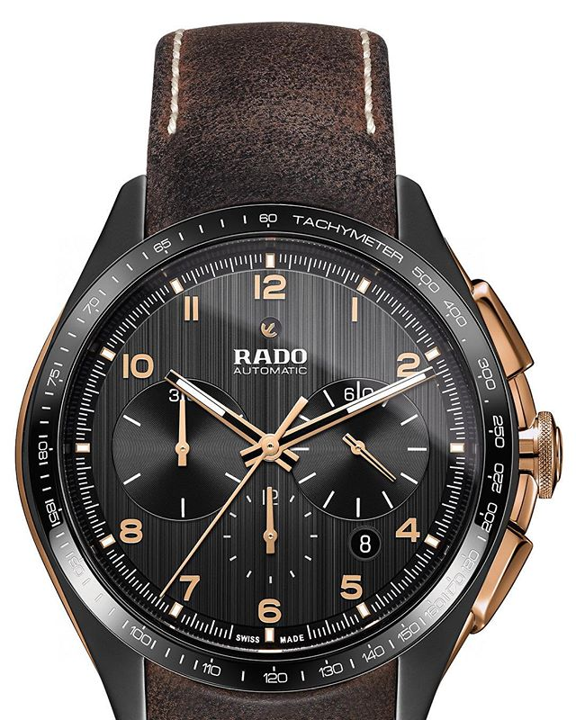 Hot damn, what a curious / exciting combination! The first ever look at the @rado HyperChrome Bronze which uses matte black high-tech ceramic with bronze inserts and chrono pushers designed to patina. Straps looks good too. Exciting stuff! ️