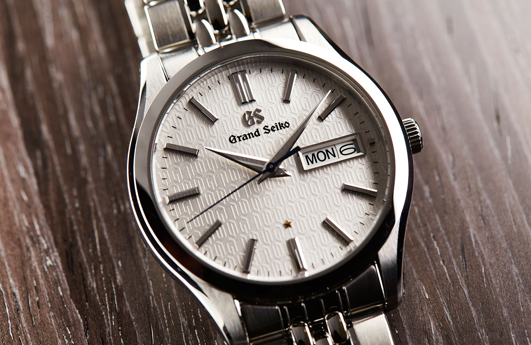 GRAND SEIKO CALIBER 9F 25TH ANNIVERSARY LIMITED EDITION SBGT241G - one of the best quartz watches of 2018